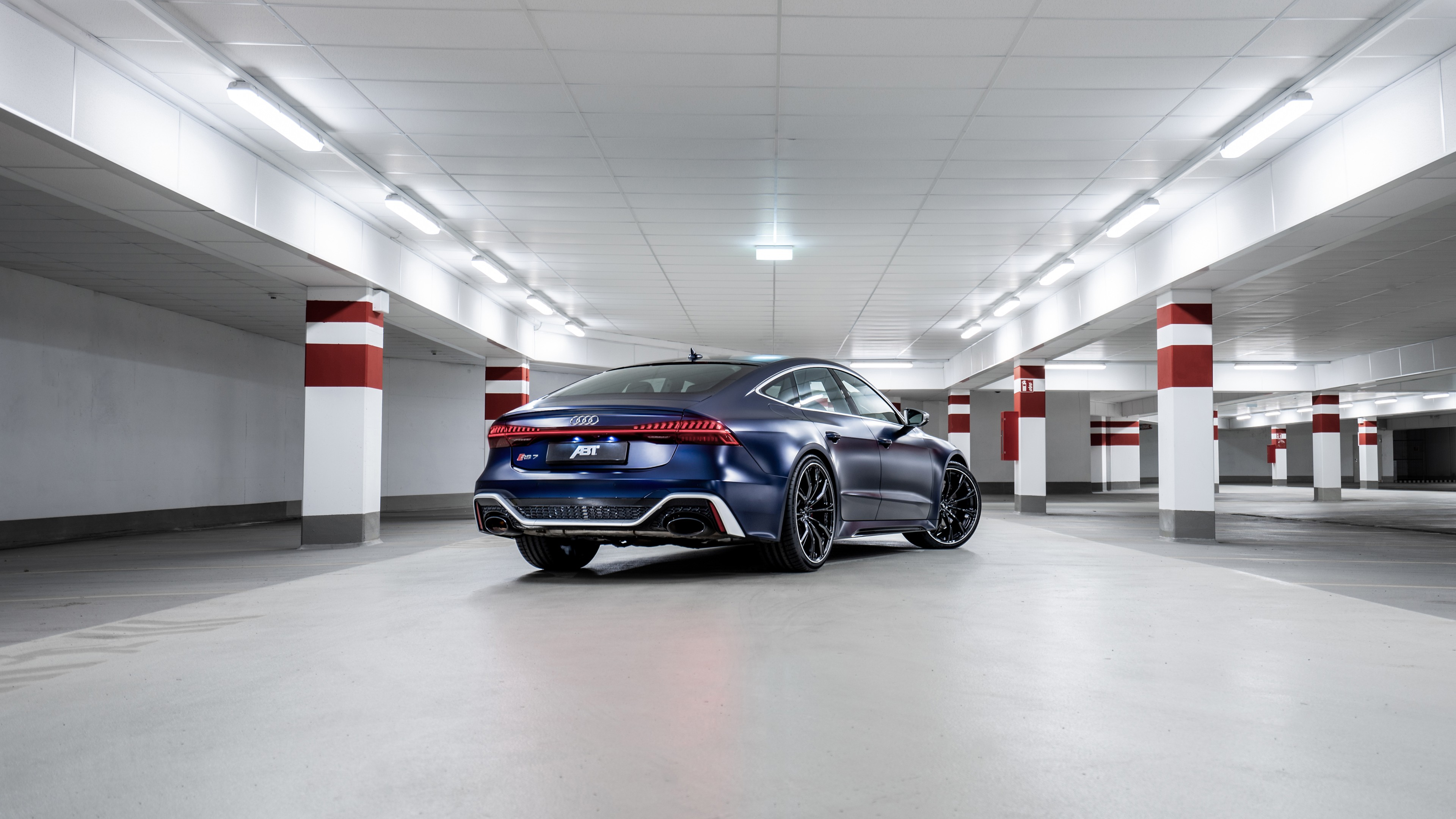 Wallpaper 2020 Audi RS 7 Sportback underground parking rear view