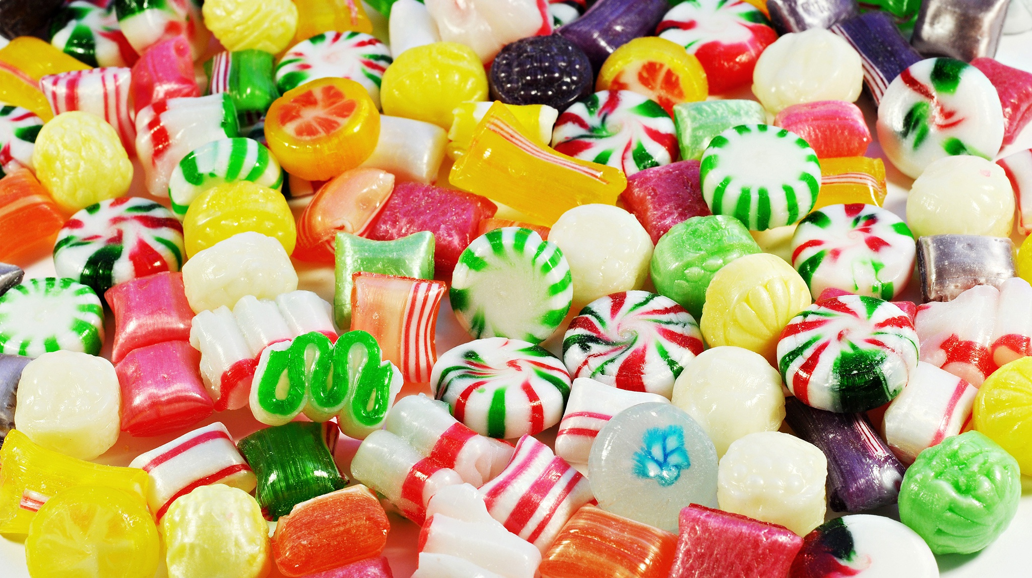 Wallpaper Delicious multi-colored candies close-up