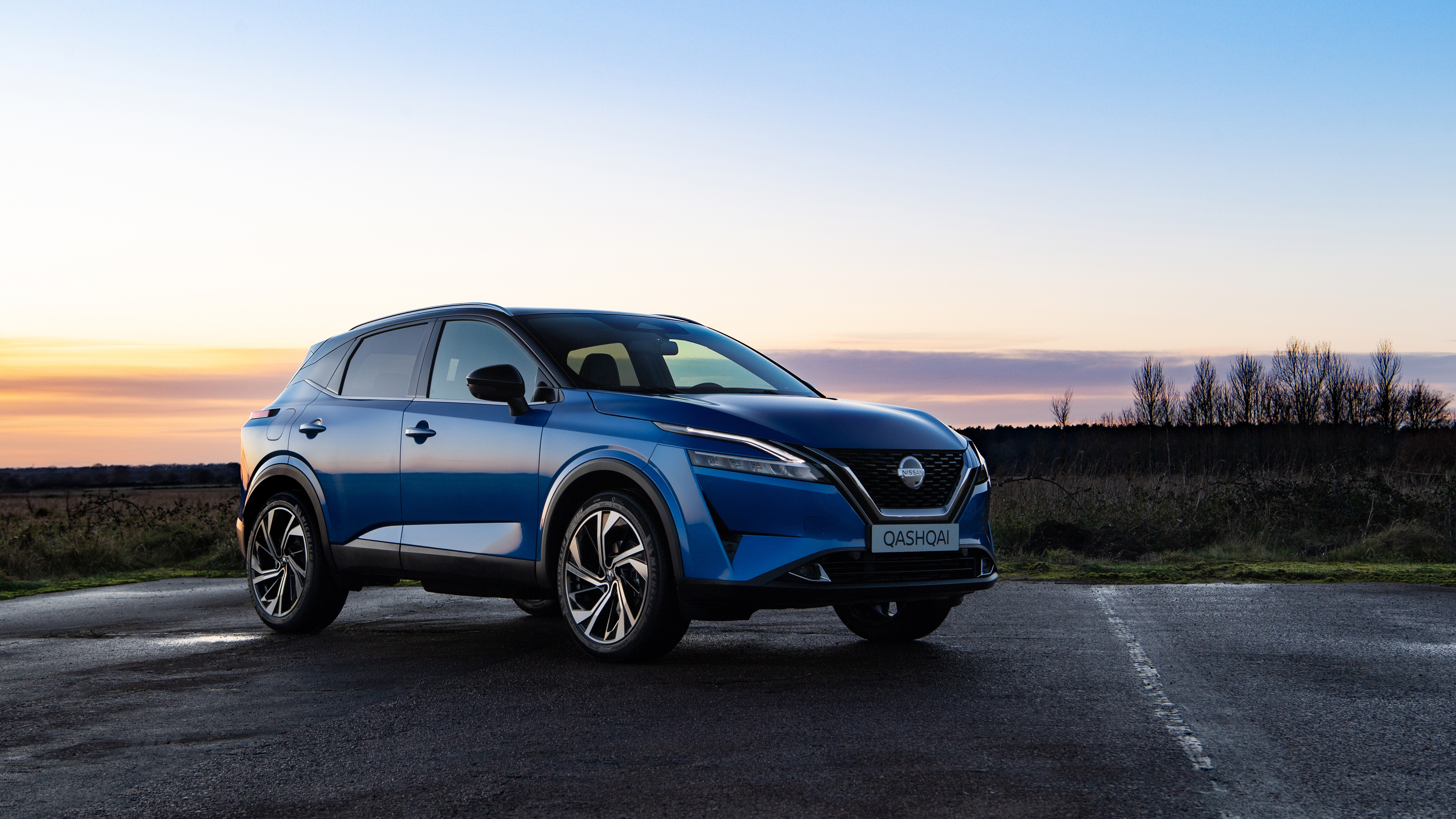 Wallpaper 2021 Nissan Qashqai SUV at sunset