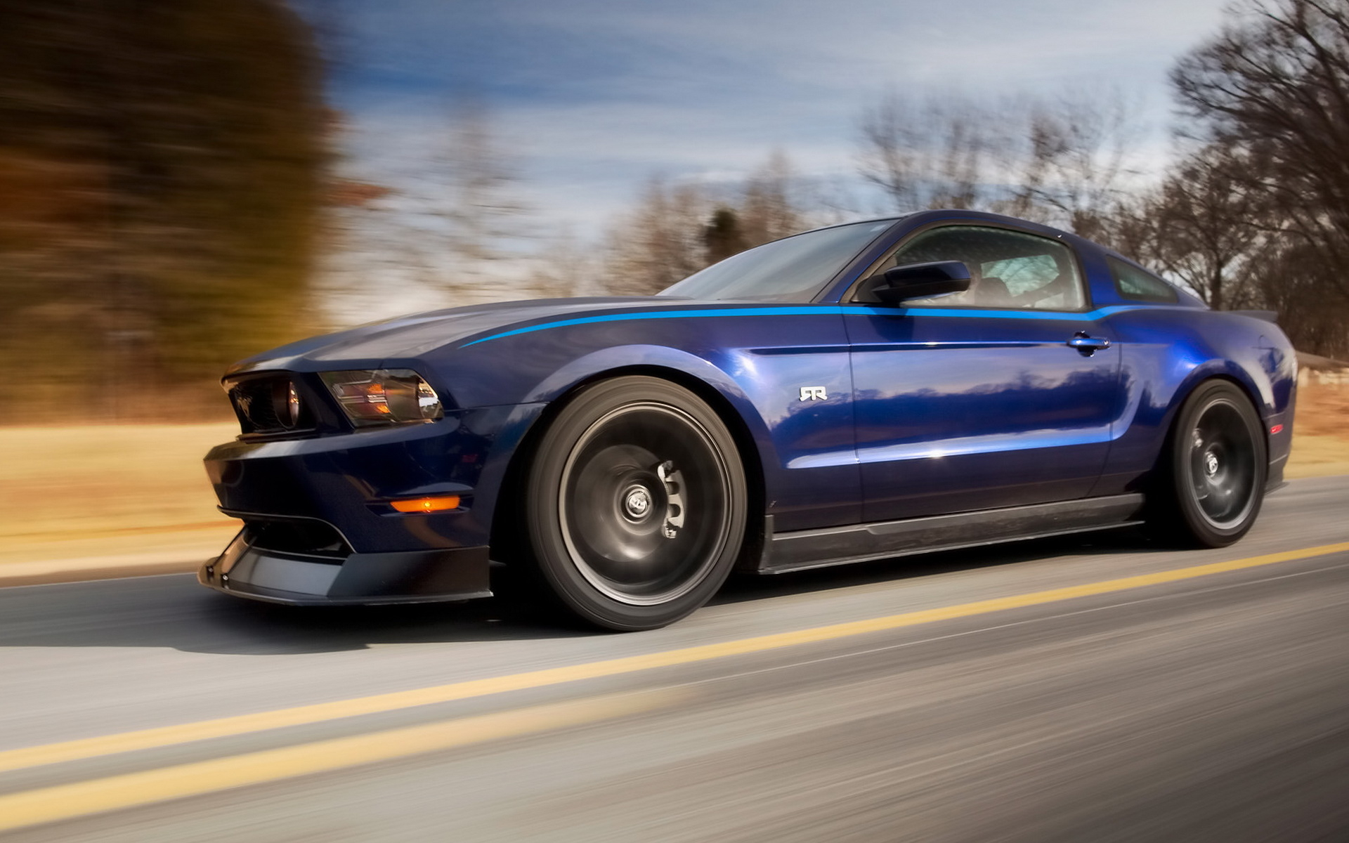 Wallpaper 2011-Ford-Mustang-RTR-Package-Blue