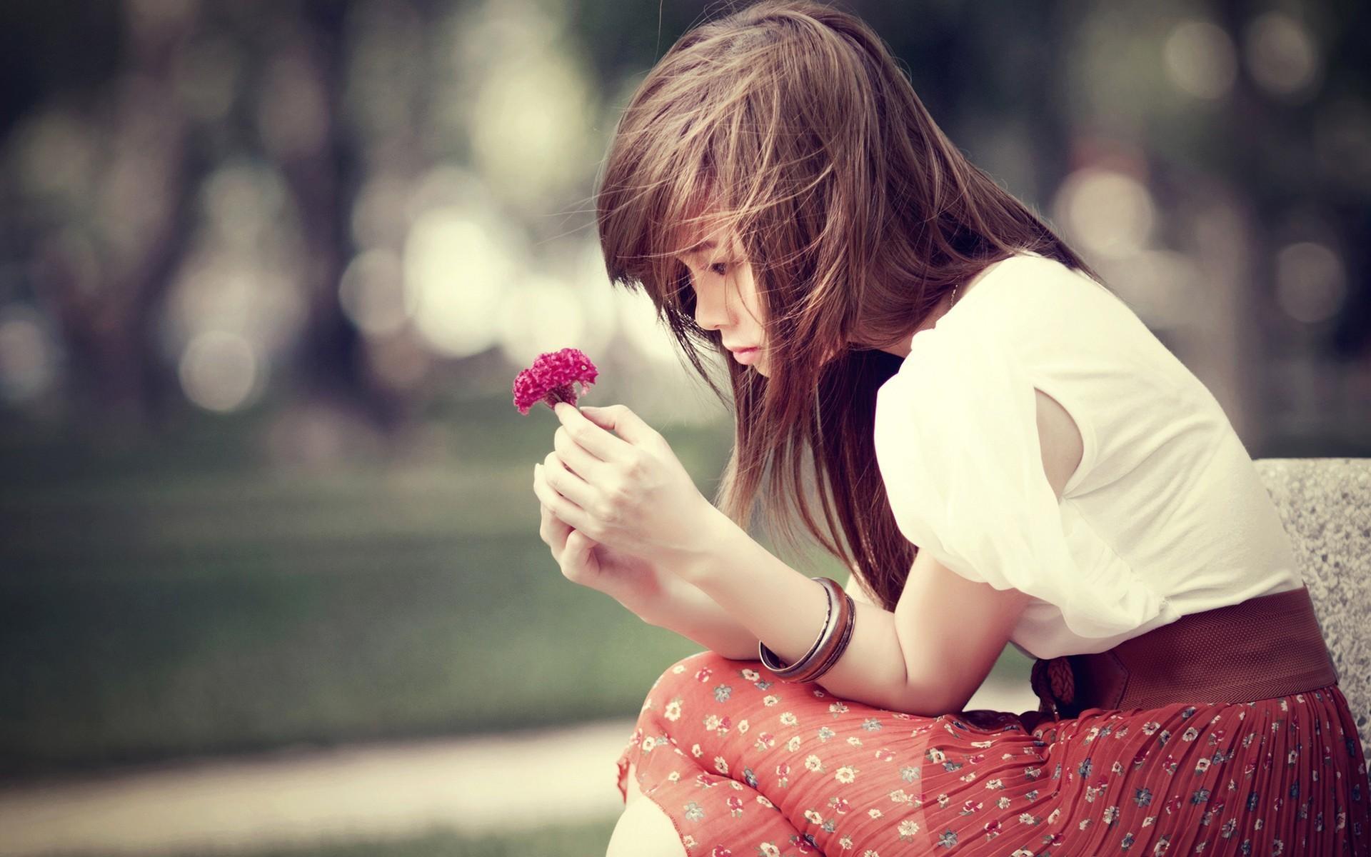 Самая грустная картинка на аву для девушек