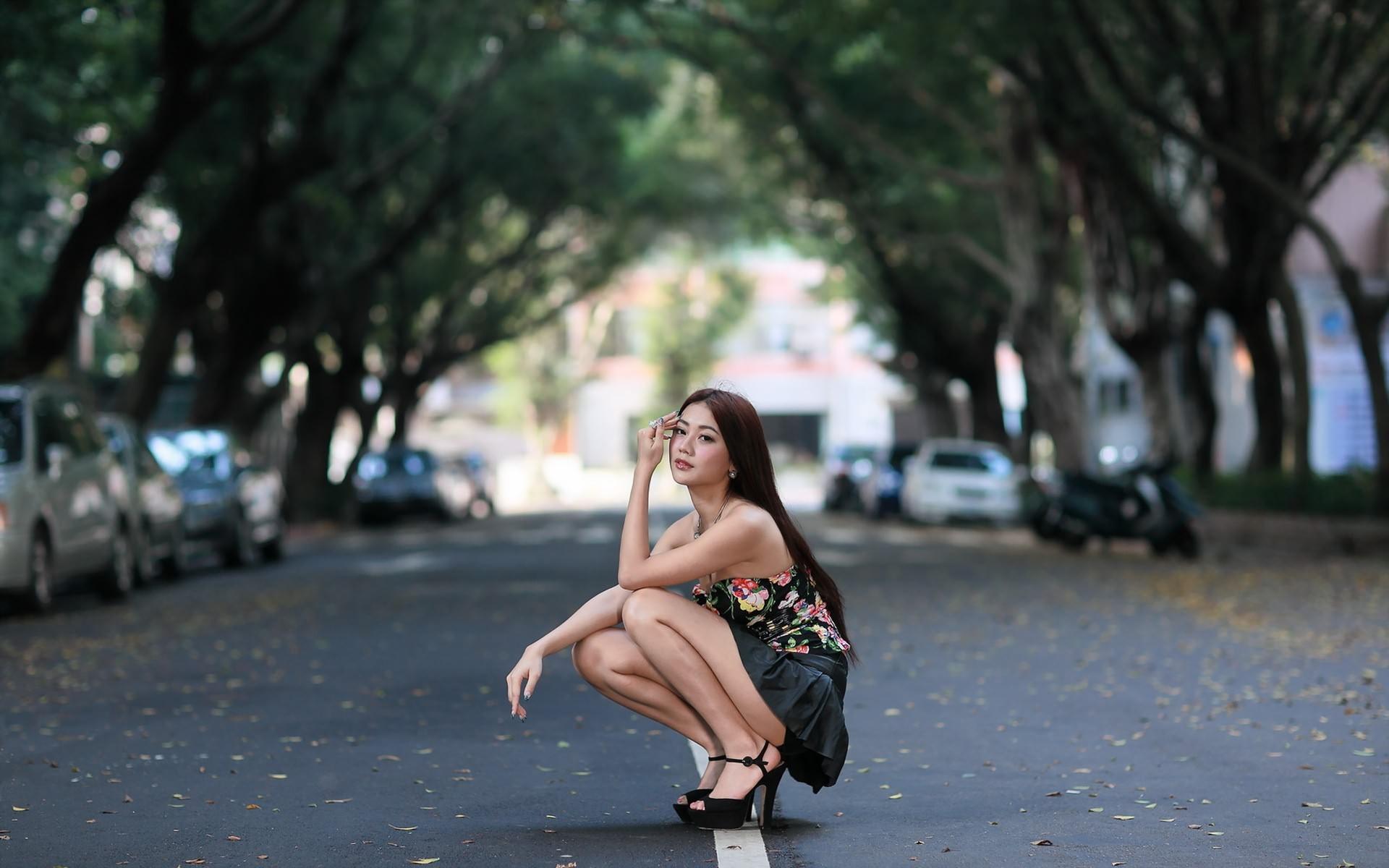 сесть на корточки фото - 5