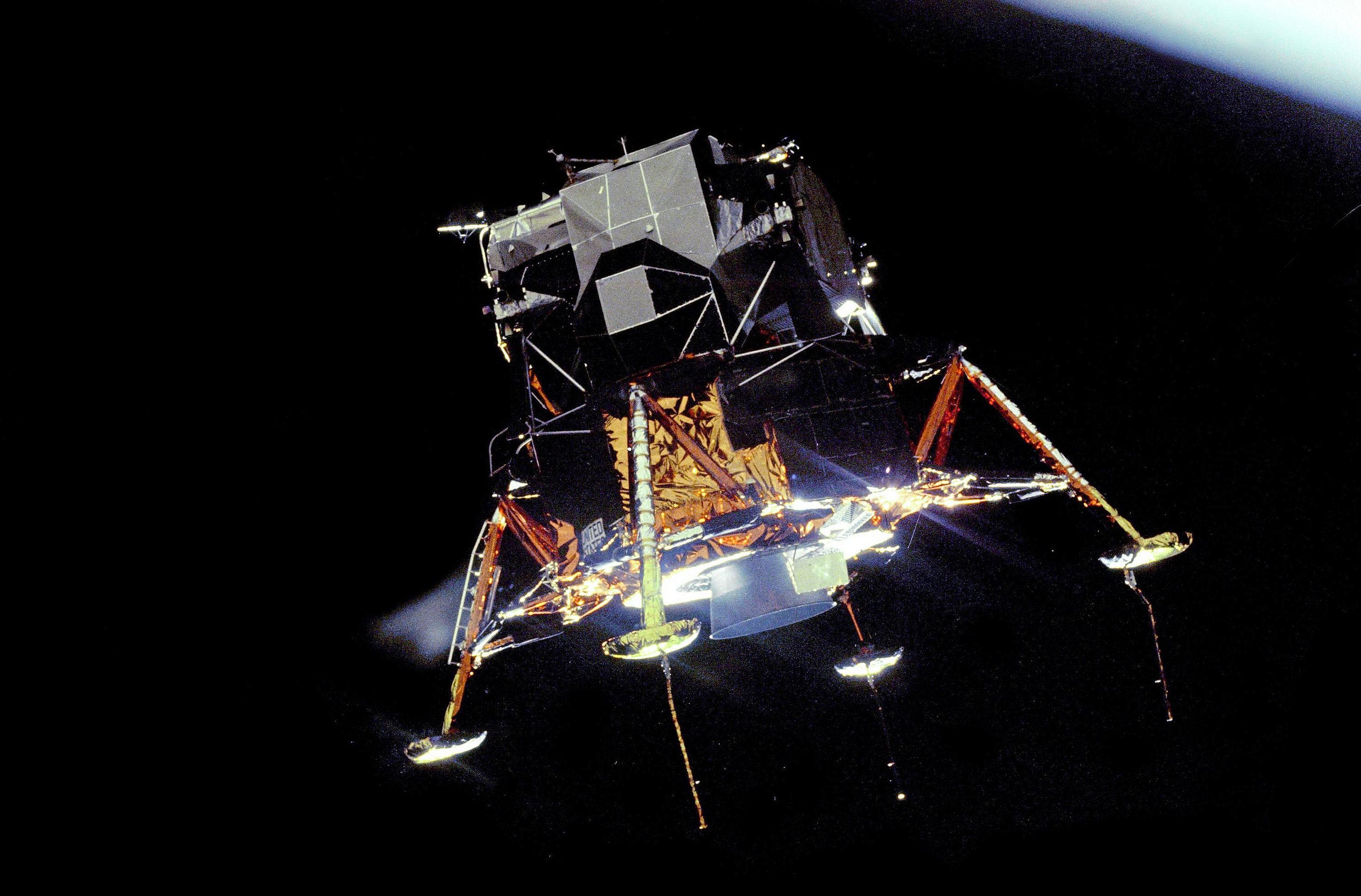apollo 11 space mission - HD2988×1967
