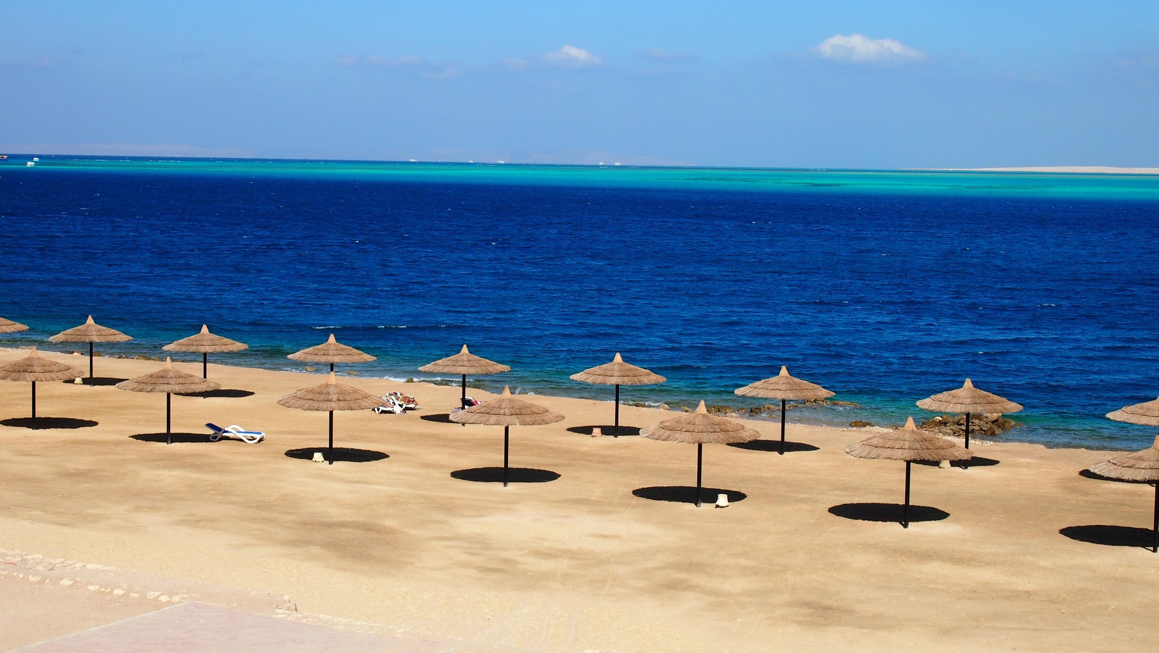 World___Egypt_Parasols_at_the_resort_of_