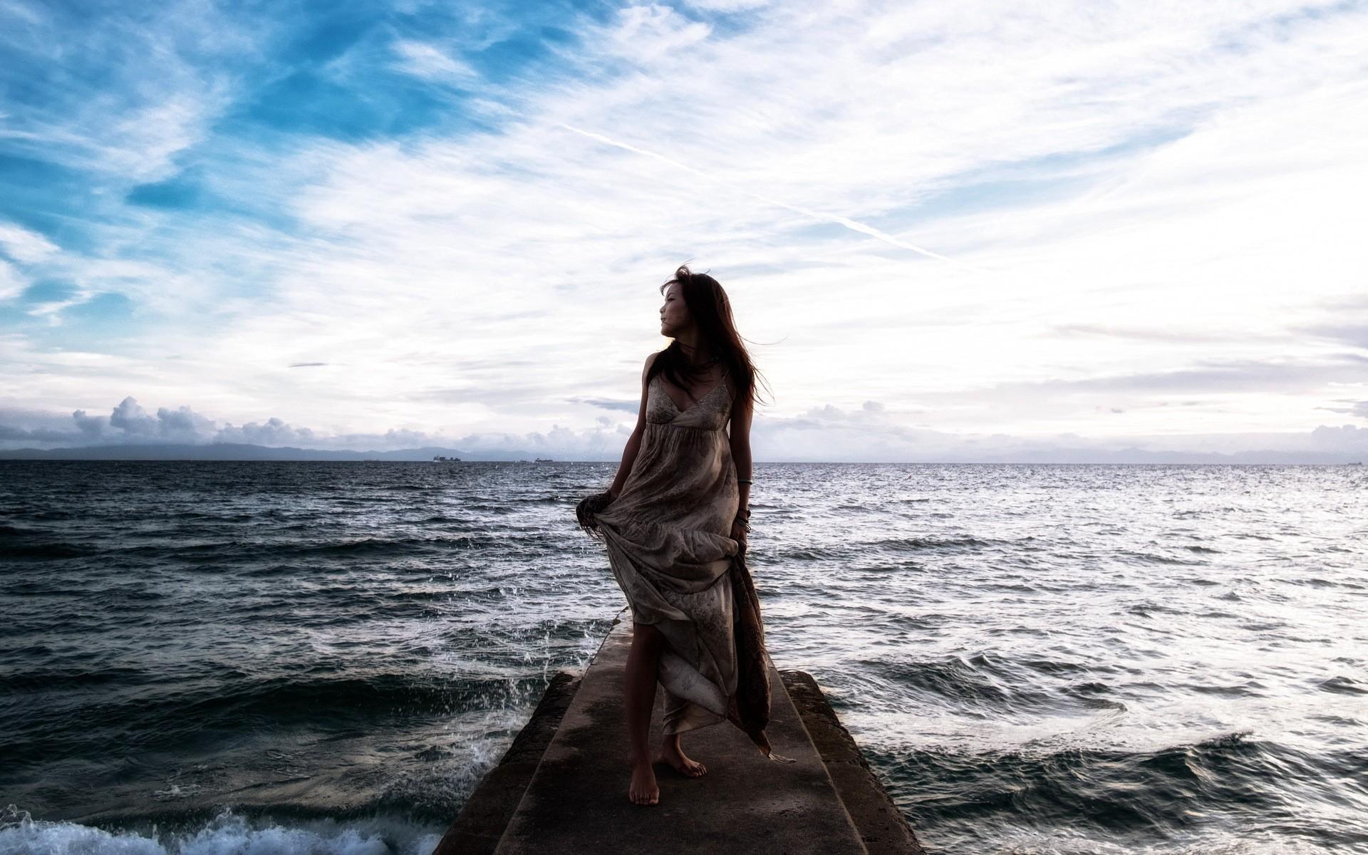 фото женщин на берегу моря анонимно 18
