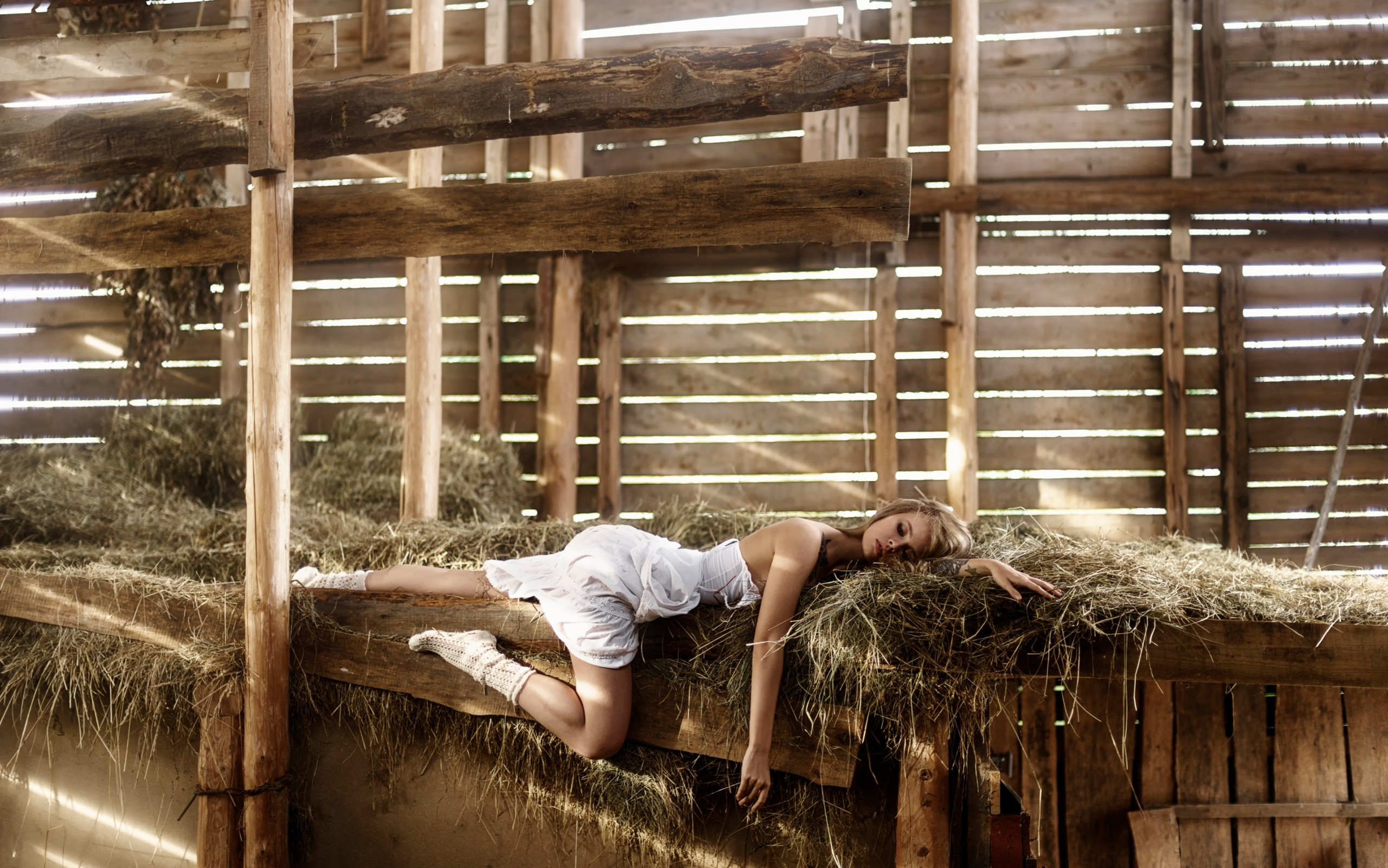 Секс в хлеву, Деревенское порно в деревне - Сельское с доярками на 3 фотография