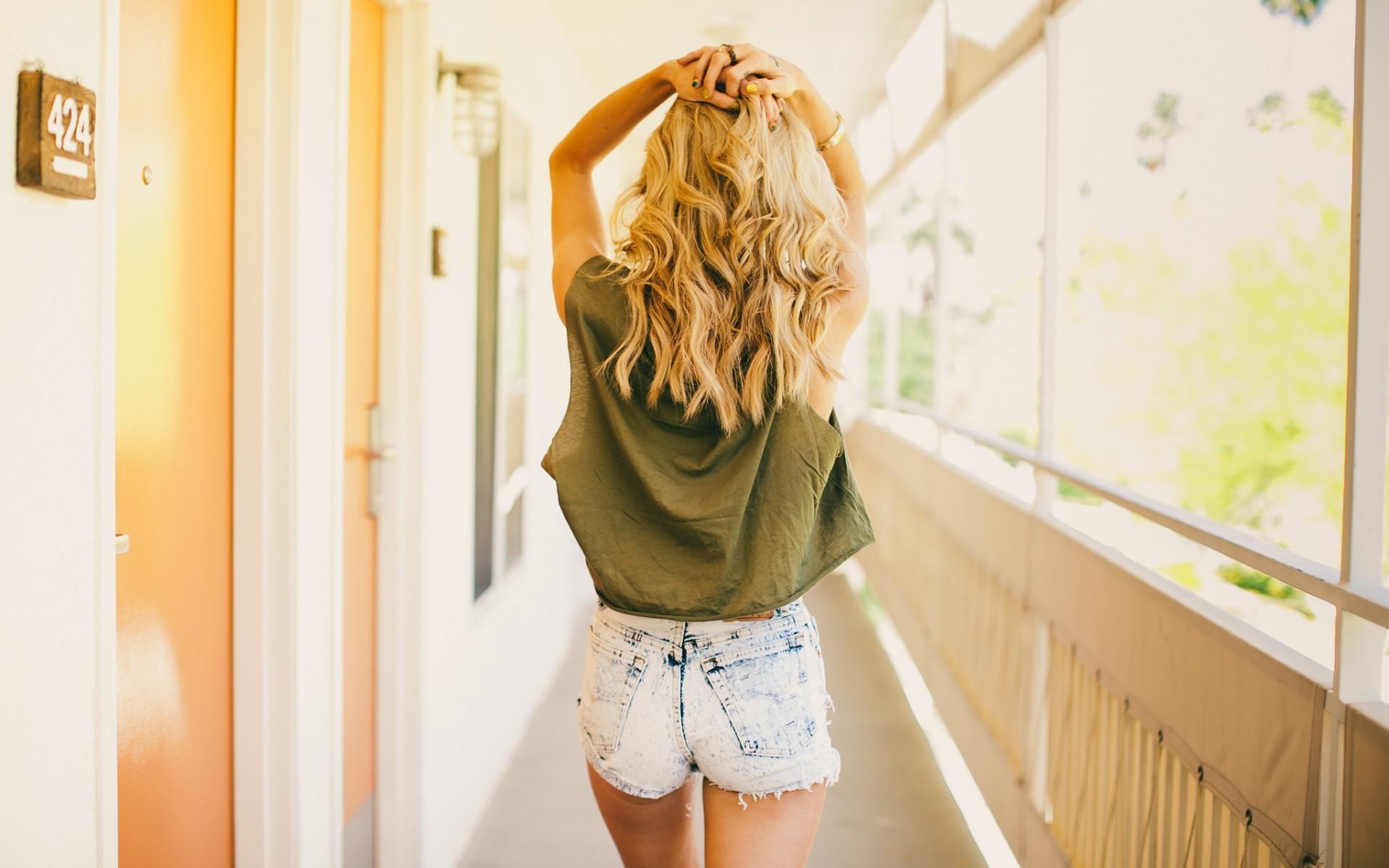 Фото красивых девушек в вконтакте блондинки со спины