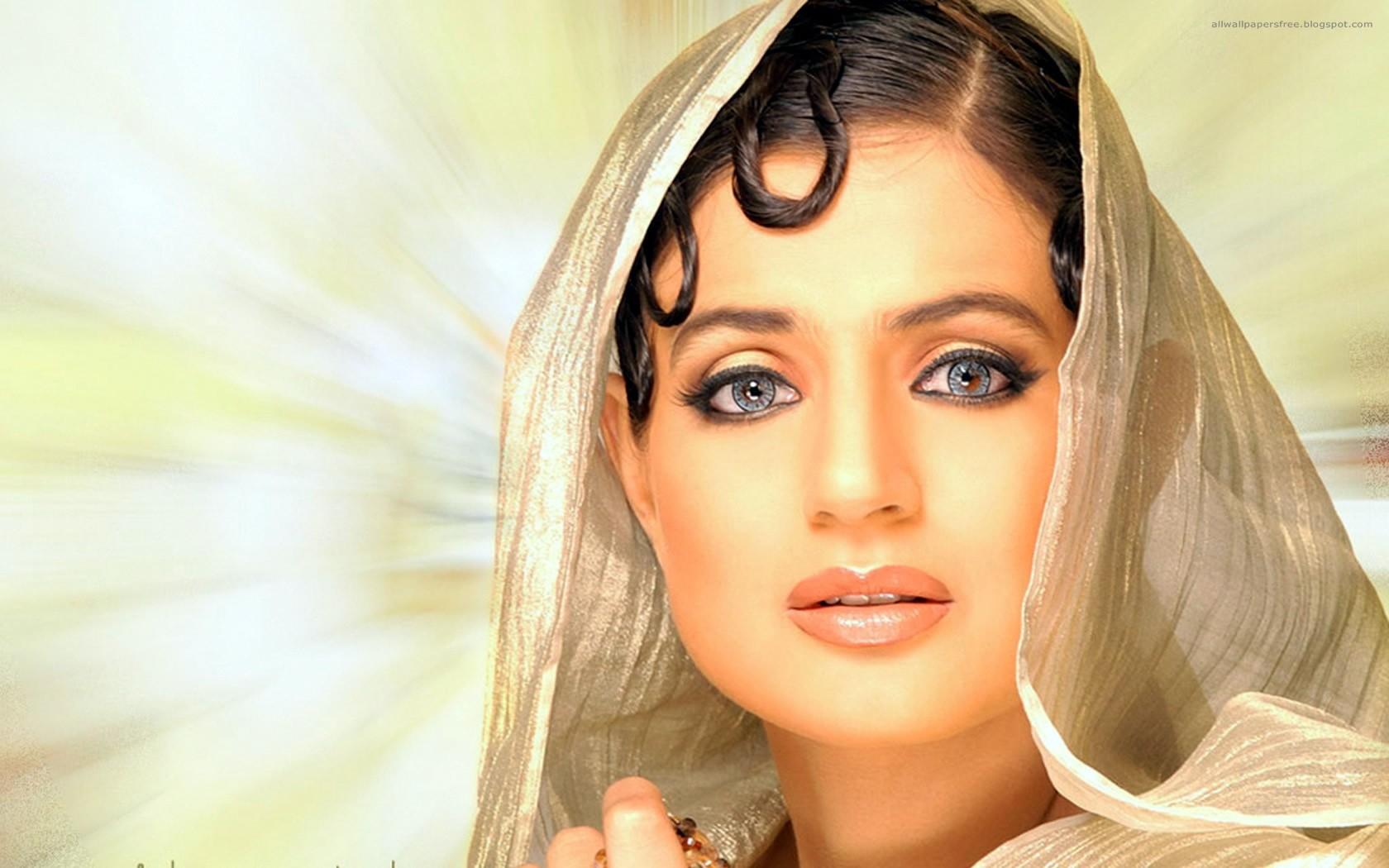 Смотреть красивые девушки индии фото