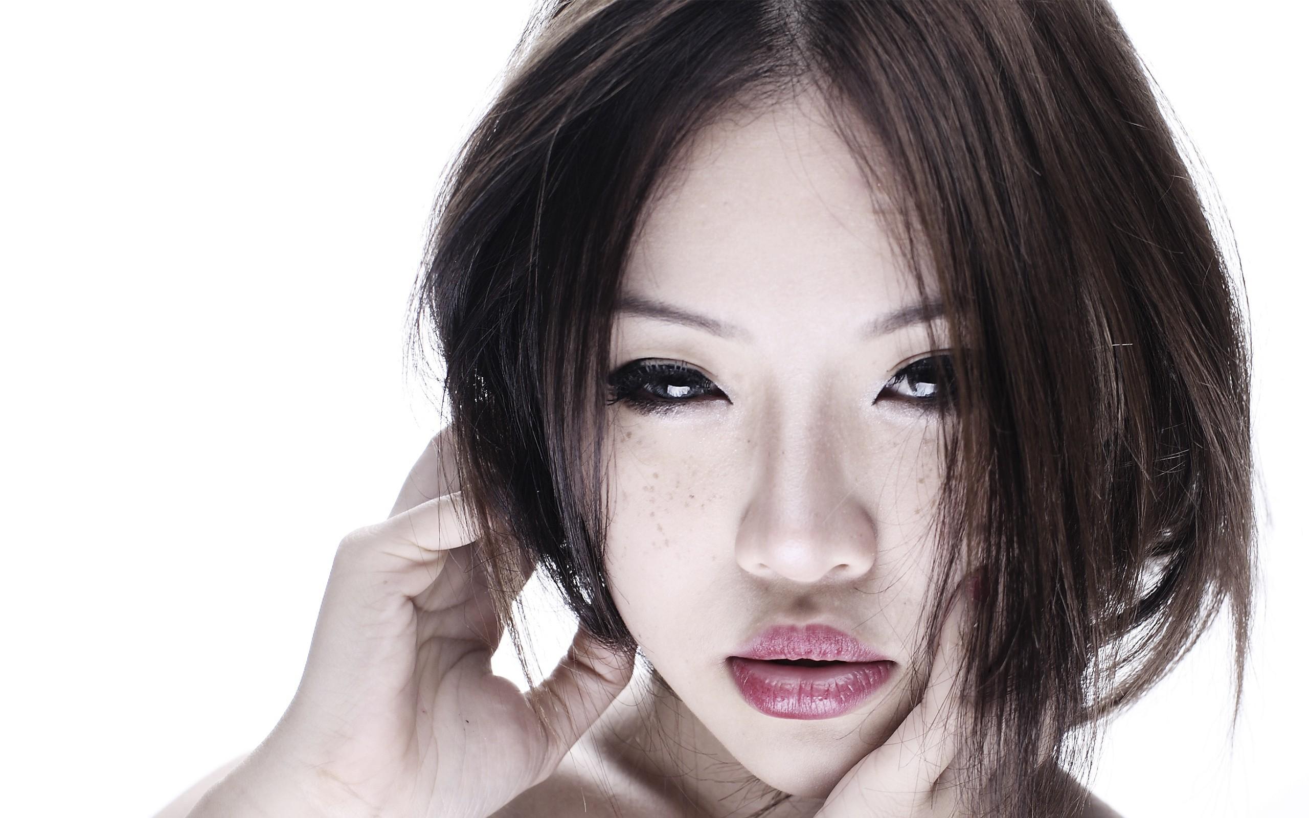 Asian women with full lips