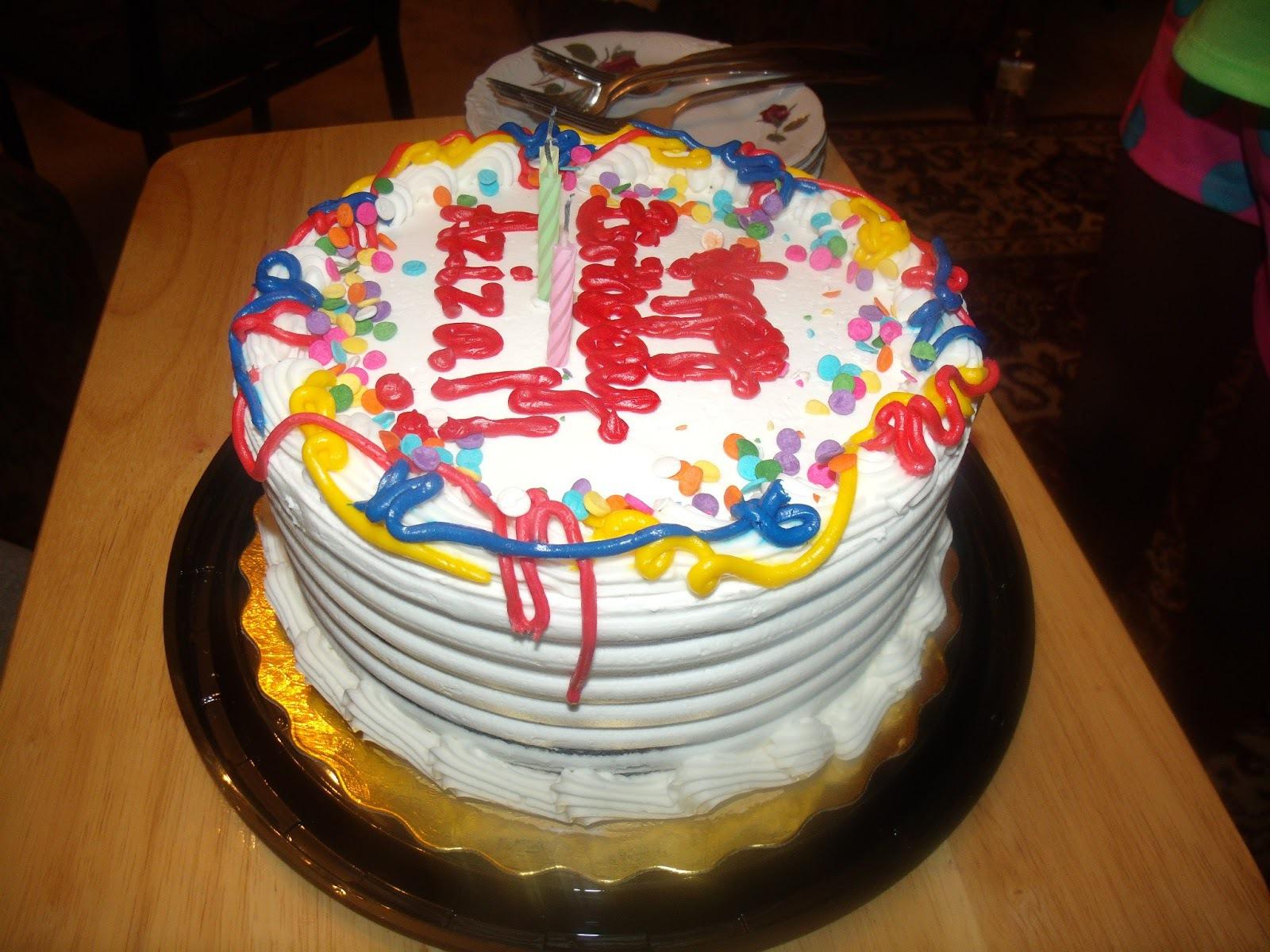 Тортики ко дню рождения своими руками   Торт украшенный мастикой очень необычно оформить 134