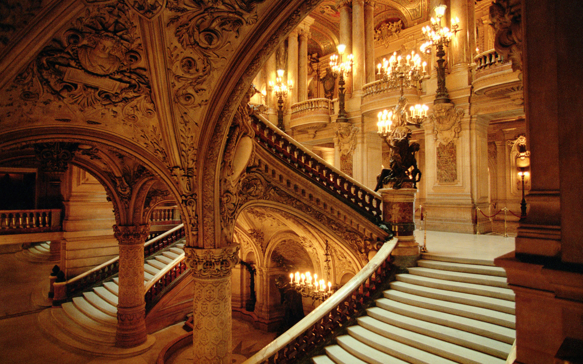 Интерьер здание красивое